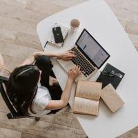 Quels sont les avantages d'un support de PC portable ?